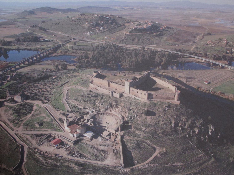 foto de David Palomares Morrón_medellin_castillo_teatro romano