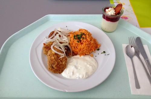 Bifteki mit Tzatziki & Tomatenreis / Bifteki with tzatziki & tomato rice