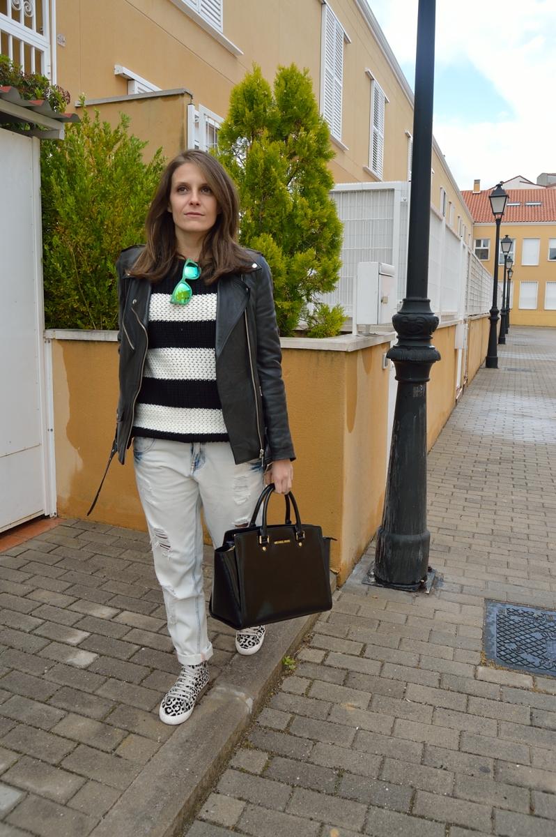 lara-vazquez-madlula-blog-stripes-white-black-look