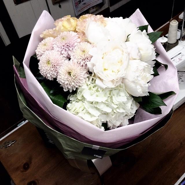 昨日頂いた花束どうしたら日持ちするかなぁ?