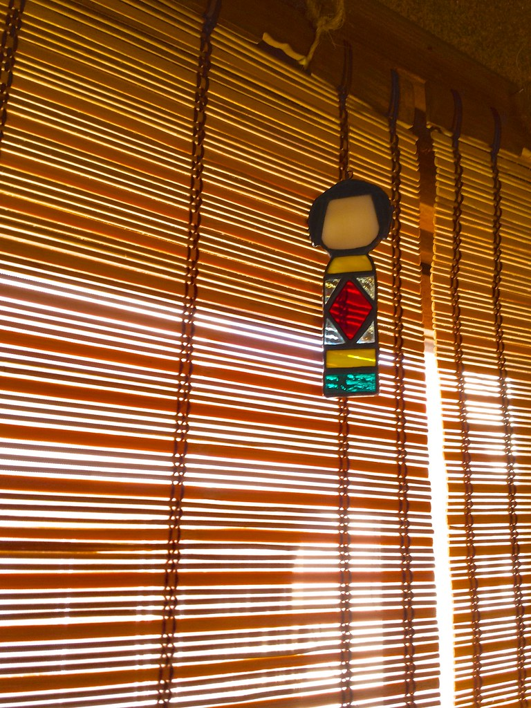 こけし型ステンドグラス飾り札 - Stained-glass Kokeshi doll