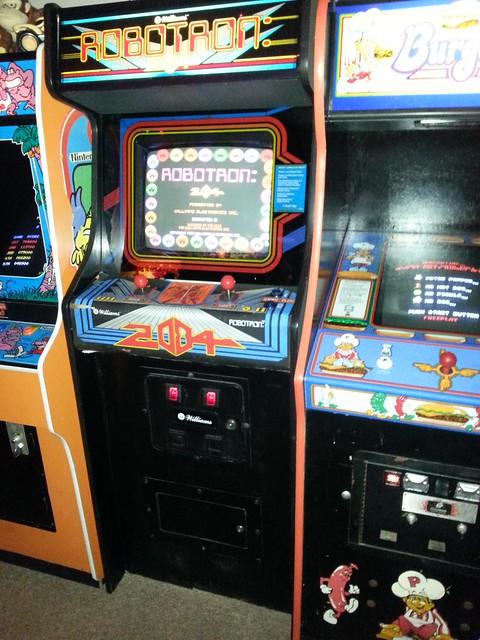robotron 2084 arcade machine