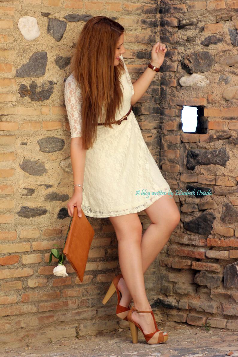 vestido-encajes-blanco-primavera-verano-clutch-pull-and-bear-HEELSANDROSES-(8)