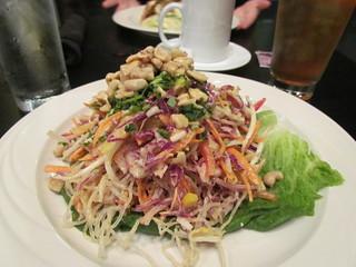 Kelp Noodles Pad Thai at Greens & Vines