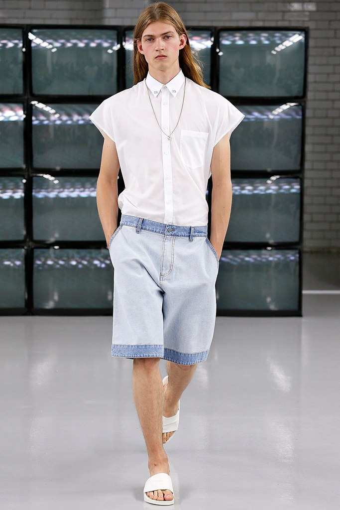 SS15 London Common012_Mark Bender(VOGUE)