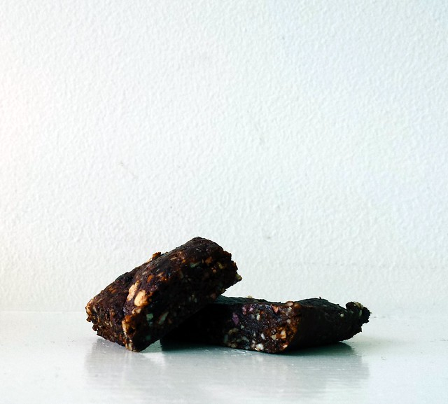 Raw Prune and Cacao Slice