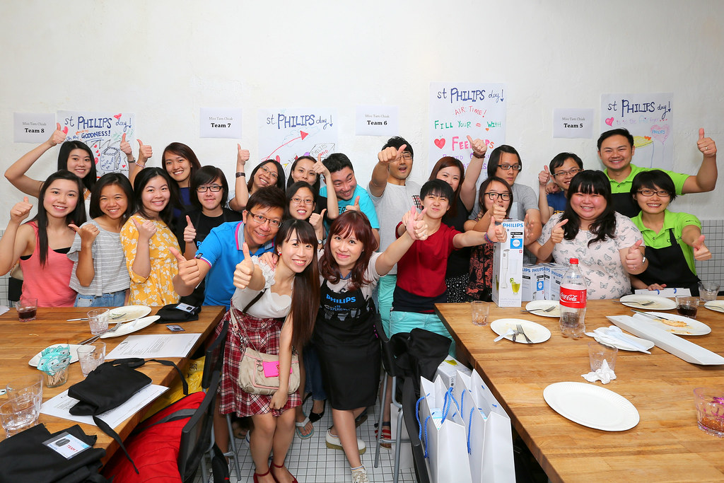 Group photo @ the Make Sio Bak Using Philips Airfryer event