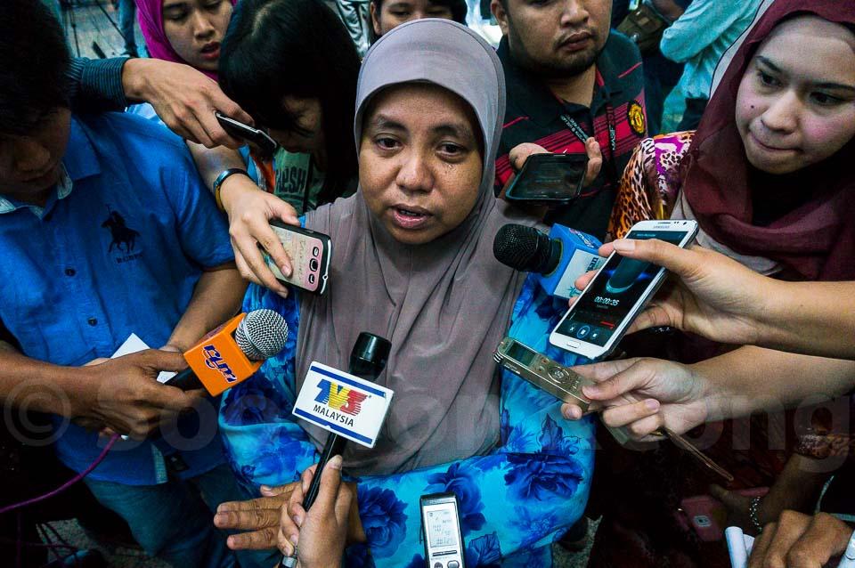 Families of those on board Flight MH17 @ KLIA, Malaysia