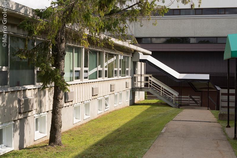 UQTR - Pavillon Suzor-Côté - Entrée du service de l'Équipement