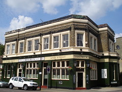 Picture of Birkbeck Tavern, E11 4HL