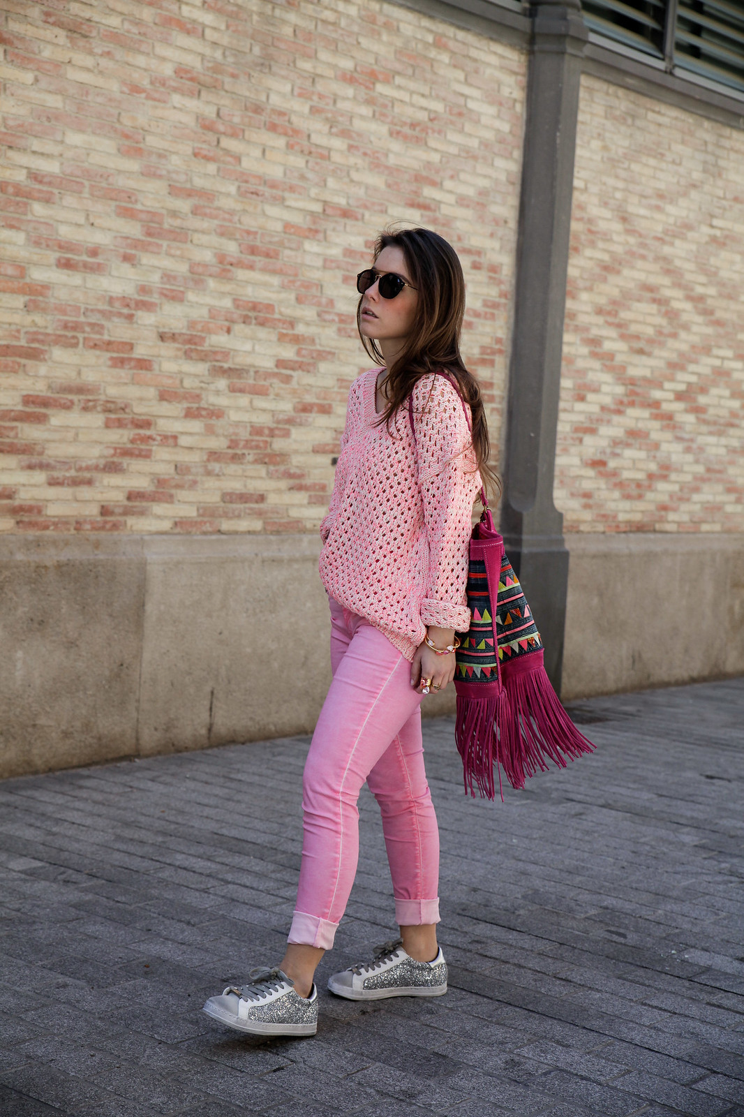07_pink_look_with_rüga_streetsyle_barcelona_influencer_theguestgirl_spain