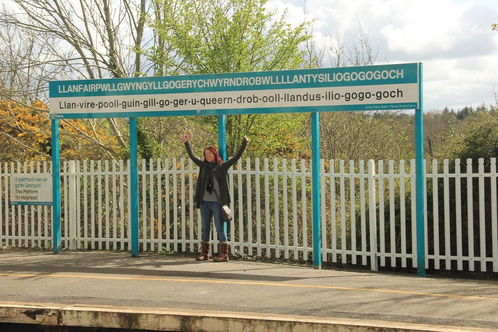 Llanfair-pwllgwyngyll-gogery-chwyrn-drobwll-llan-tysilio-gogo-goch