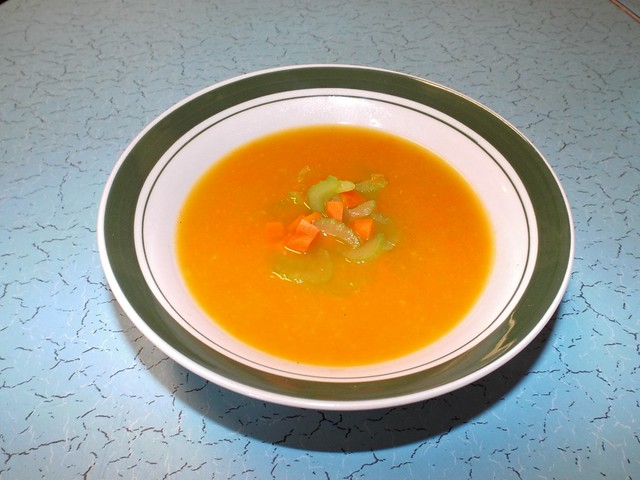 Pureed celery and carrot soup