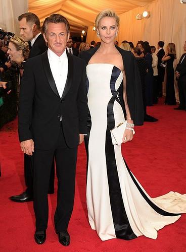 met-gala-2014-best-dressed.sw.13.ss17-best-dressed-met-gala-penn-theron