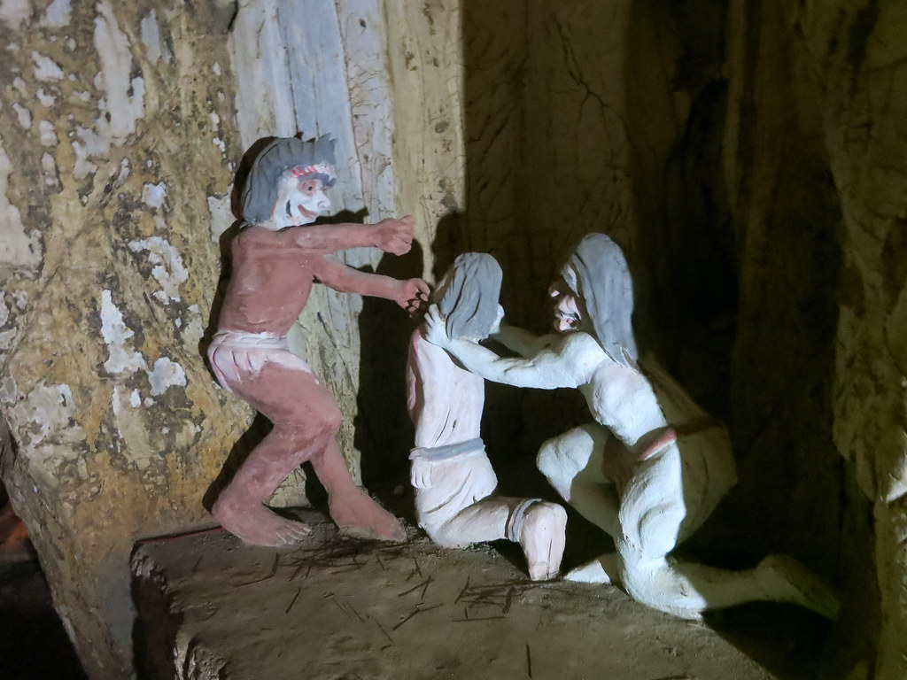 hell cave statue