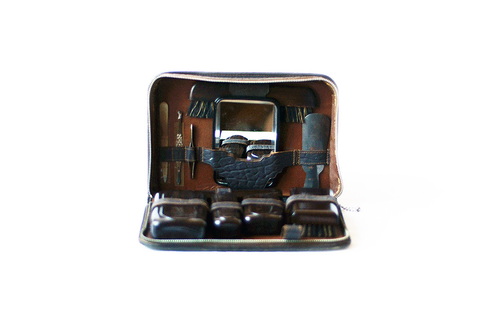 Vintage Mens Toiletries Traveling Set with Leather Case