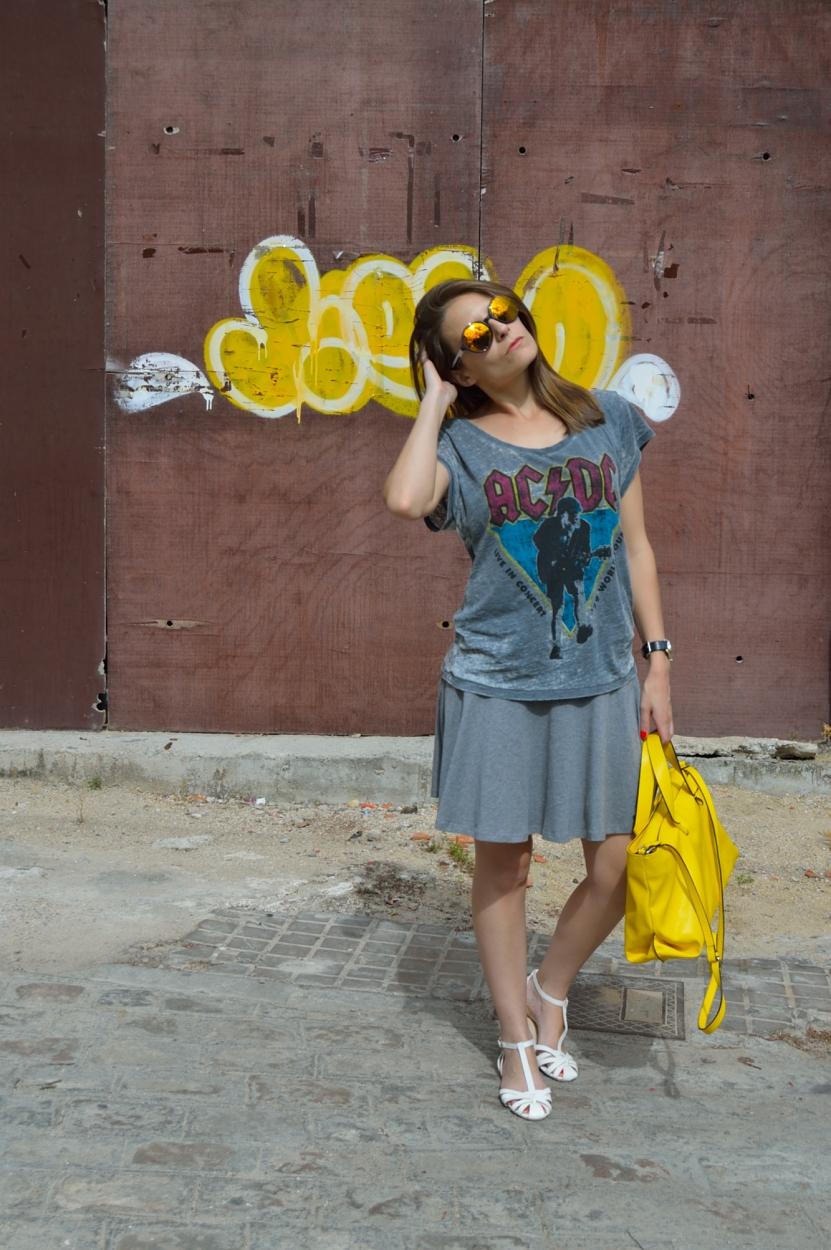 lara-vazquez-madlula-blog-style-grey-pop-of-yellow-rays