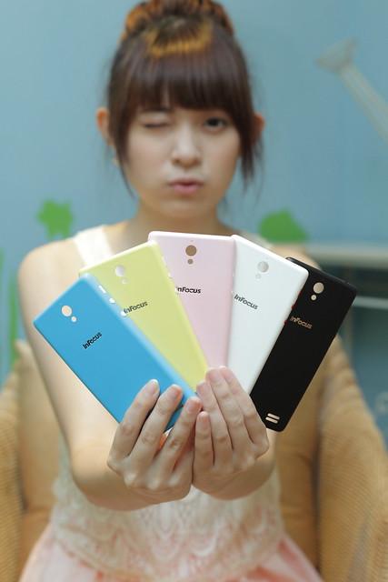 【InFocus M210】規格齊備,多彩外型,全家人都可使用的好手機