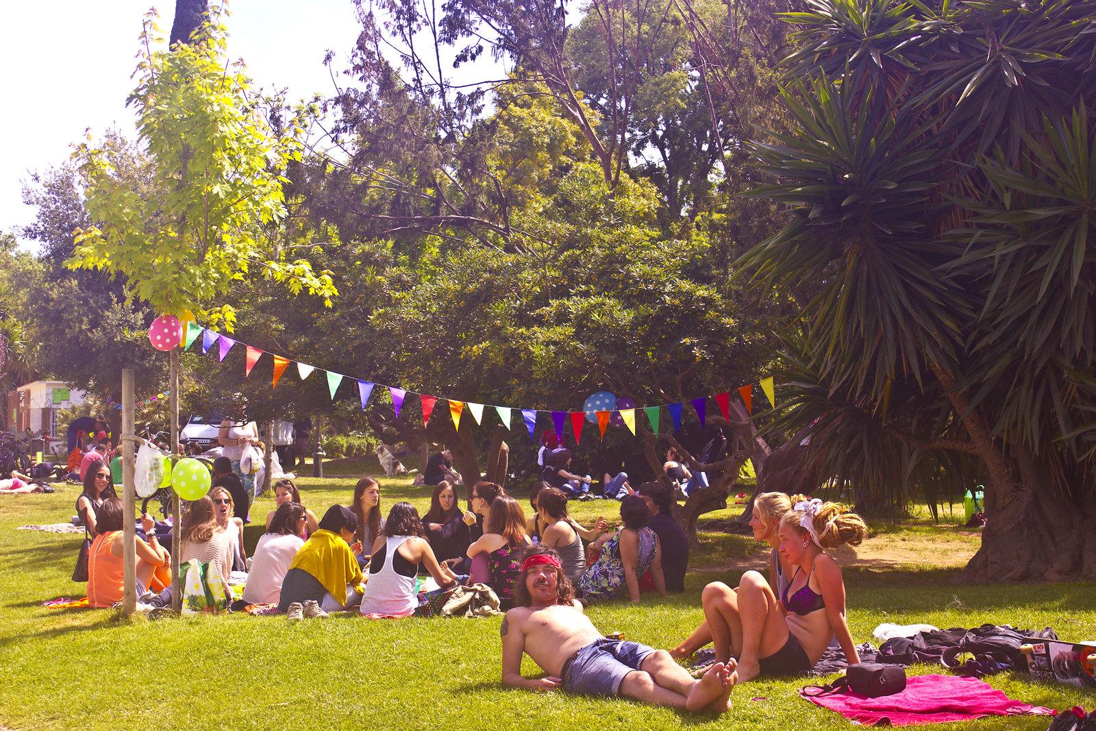 park fun national holiday playing bunting ciutadella