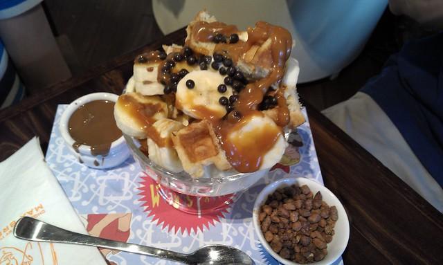 Max Brenner banana split waffle sundae