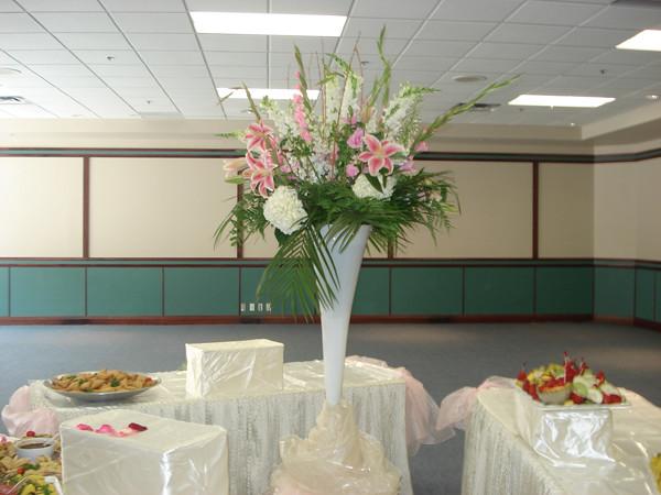 Farah Florist W-A-34.   $150-180