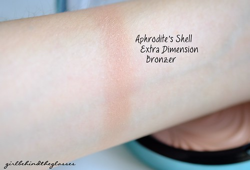 MAC Aphrodites Shell swatch
