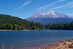 Mount Shasta seen from Lake Sikiyou