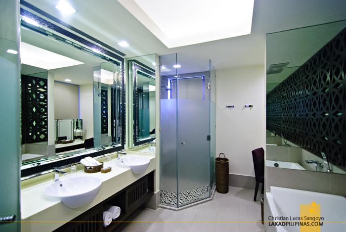 Toilet and Bath at Astoria Bohol Resort
