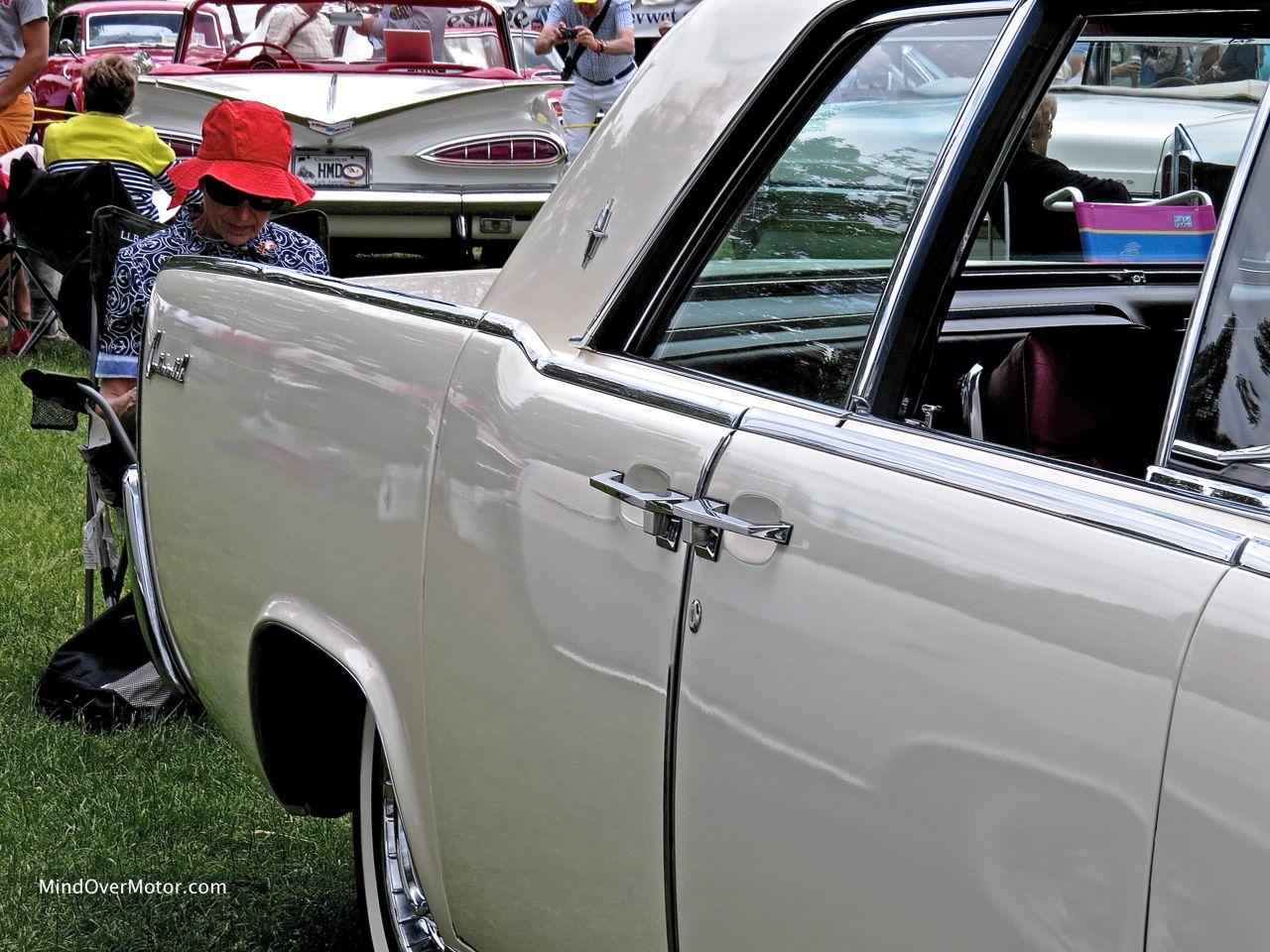 Lincoln Continental Sedan Rear Fender
