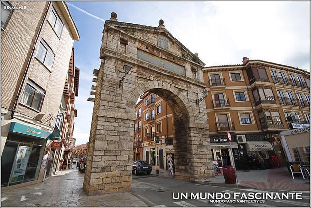 Toro, Puerta de la Corredera