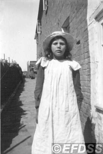 B68b PORTER, Lily (1895 - ?)
