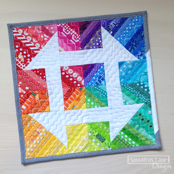 Mini Churndash Court Quilt