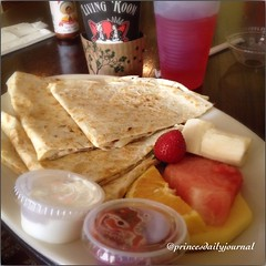 "A healthy combo #whatsprinceeating: ""Cheese Quesadilla w/ A Side Of Fruits"" www.princesdailyjournal.com #princesdailyjournal #foodie #food #foodart #mexicanfood #healthy #iphonephotography #myfab5 @bestfoodsandiego #nostalgia"