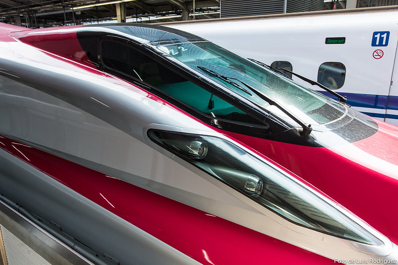 E6-Shinkansen-10