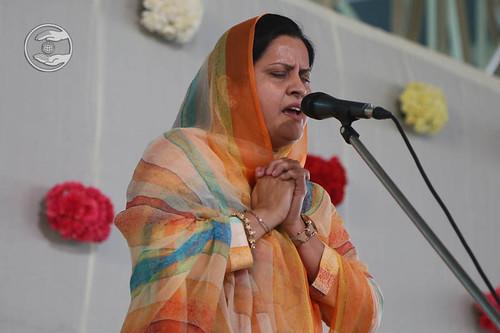 Devotional song by Reeta from Mayur Vihar, Delhi