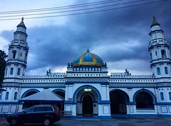 Panglima Kinta Mosque.   Established in 1898 is the oldest mosque in Ipoh. Designed by British Engineer. Influenced by Moghul Architecture.   #ipoh #mosque #oldestmosque #heritage #ipoholdtown
