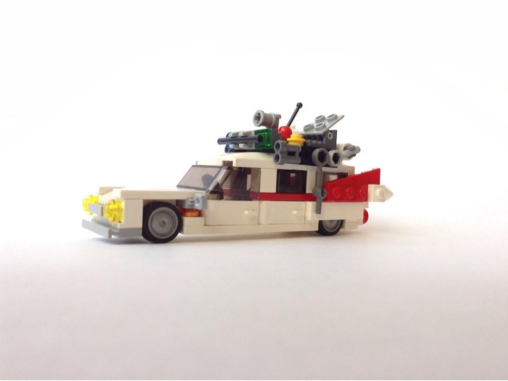 Ghostbusters Ecto-1 (custom built Lego model)