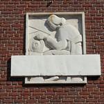 AMIENS : Rue Flatters - Sculpture de Léon Lamotte