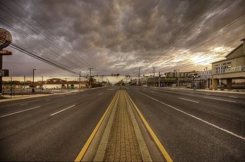 vanishingpoint sunrise clouds empty road nikond810 nikon1424mmf28afs oceancitymd
