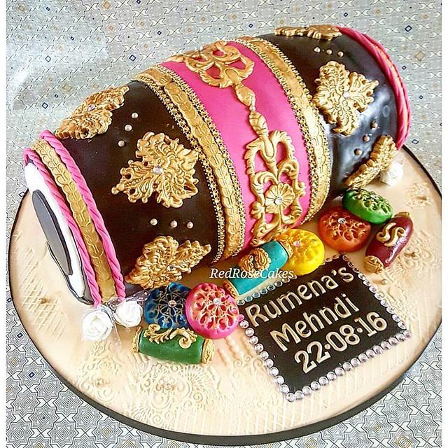 Dholki Mehndi Cake by Red Rose Cakes