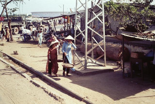 Street Scene in Hue, 1969 - Cảnh đường phố Huế năm 1969