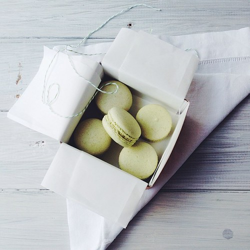 When @simmerandboyle asks if you want to taste test some macarons the only answer is yes.  #vscocam #vsco #matcha