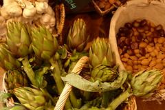 agriculture(0.0), thistle(0.0), plant(0.0), fruit(0.0), crop(0.0), vegetable(1.0), flower(1.0), artichoke(1.0), produce(1.0), food(1.0),