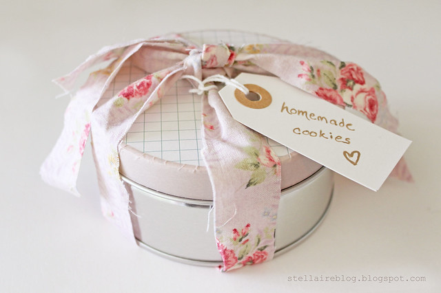 pretty cookie tin
