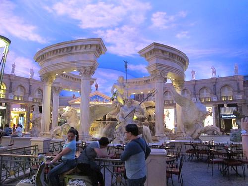 Rome Vegas Caesar's Palace statue fountain