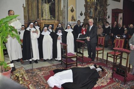 AionSur 14024635096_eb8a9cb6c6_o_d Las últimas monjas de Arahal abandonan poco a poco el convento Arahal Sociedad Monjas inician despedida Convento Nuestra Señora del Rosario