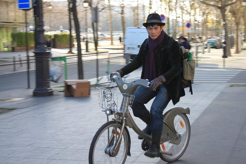 輕鬆租借單車遊巴黎
