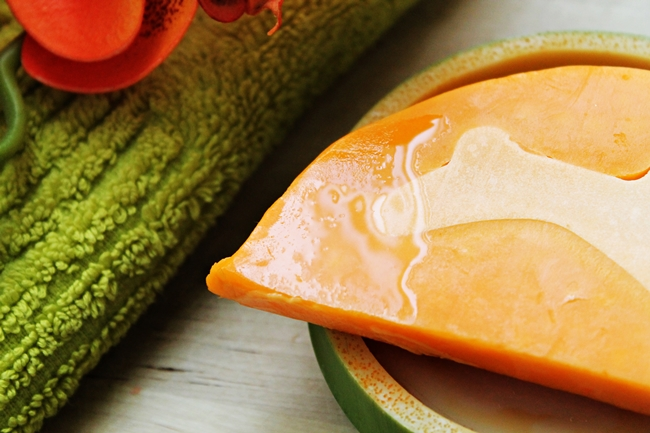 Review Lush Carrot Soap