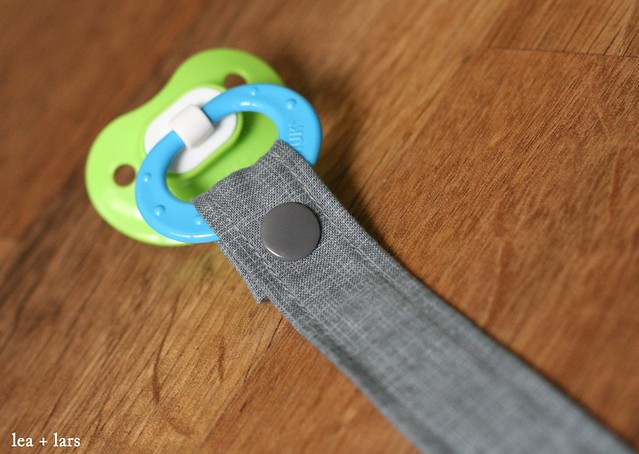 pacifier clip using Kam snap
