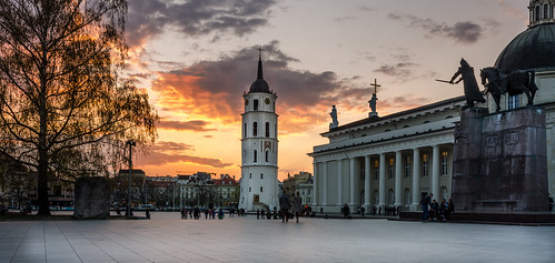 city sunset sky horse house church skyline square spring nikon europe cathedral cloudy romanesque eastern vilnius d7000
